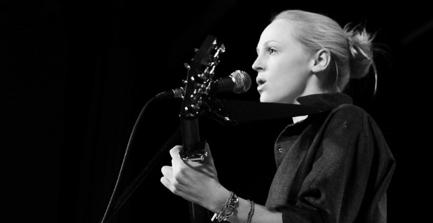 Laura Marling Live Image Slider